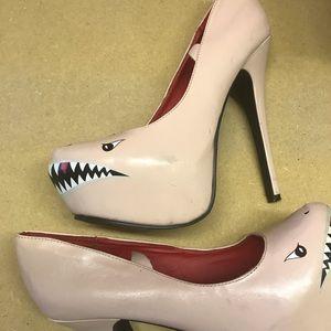 Shark heels size 8.5
